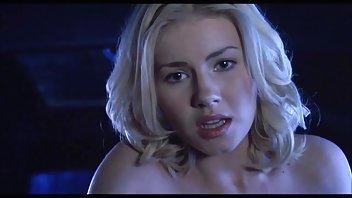 Порно - Кудрявая Блондинка Очень Эмоционально Реагирует На Обычный Анальный Секс